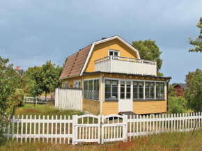 Two-Bedroom Holiday Home in Hasslo in Hasslö