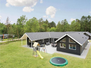 Eight-Bedroom Holiday home Frederiksværk with a room Hot Tub 03 in Melby