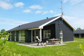 Three-Bedroom Holiday home in Hals 20 in Hals