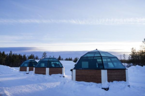 Arctic Glass Igloos in Sinettä
