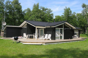 Three-Bedroom Holiday Home Langvarigheden with a Sauna 06 in Østerby