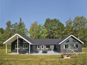 Eight-Bedroom Holiday home Frederiksværk with a room Hot Tub 05 in Melby