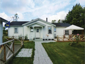 Five-Bedroom Holiday Home in Lottorp in Löttorp