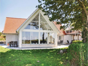 Three-Bedroom Holiday Home in Ebberup in Helnæs By