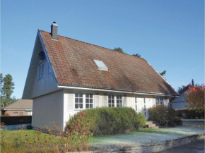 Three-Bedroom Holiday Home in Ahus in Åhus