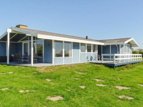 Three-Bedroom Holiday home in Ebberup 3 in Helnæs By