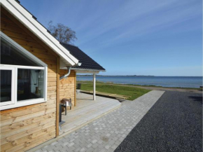 Three-Bedroom Holiday Home in Sjolund in Sjølund