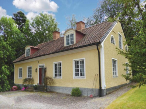 Four-Bedroom Holiday Home in Malmkoping in Malmköping