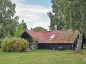 Three-Bedroom Holiday Home in Farjestaden in Färjestaden