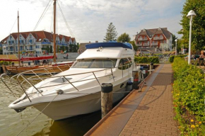Hotelyacht Galion Fly in Zingst