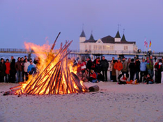 Osterfeuer am Ahlbecker Strand